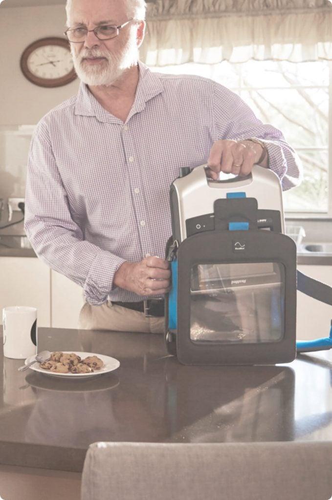 ventilation-ventilation-man-in-kitchen-with-astral-679x1024 (1)